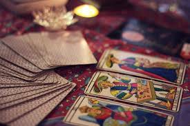 60 minute tarot reading by Lizzy Hoffmann